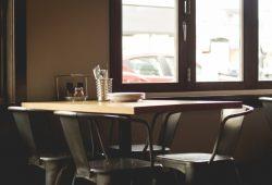 restaurant-plate-tables